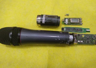 Desarme por piezas del micrófono